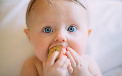 Jak przetrwać ząbkowanie bez regresu snu